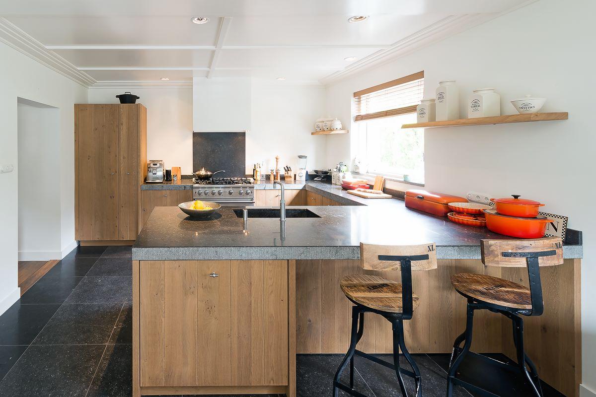 Eiland fornuis ontwerp keuken - Keuken met granieten werkblad ...