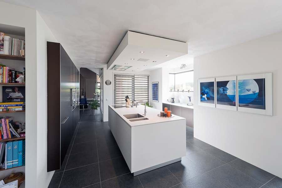 Keuken Kastenwand Met Nis : Bijzonder mooi project uitgevoerd door Keukenmeyt