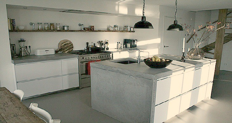 Keuken Met Betonnen Werkblad : Een betonnen aanrechtblad, voor wie het aandurft!