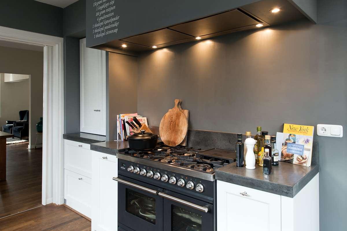 Stoere Landelijke Keuken : luxe villa in Apeldoorn mocht ik deze fraaie moderne keuken plaatsen