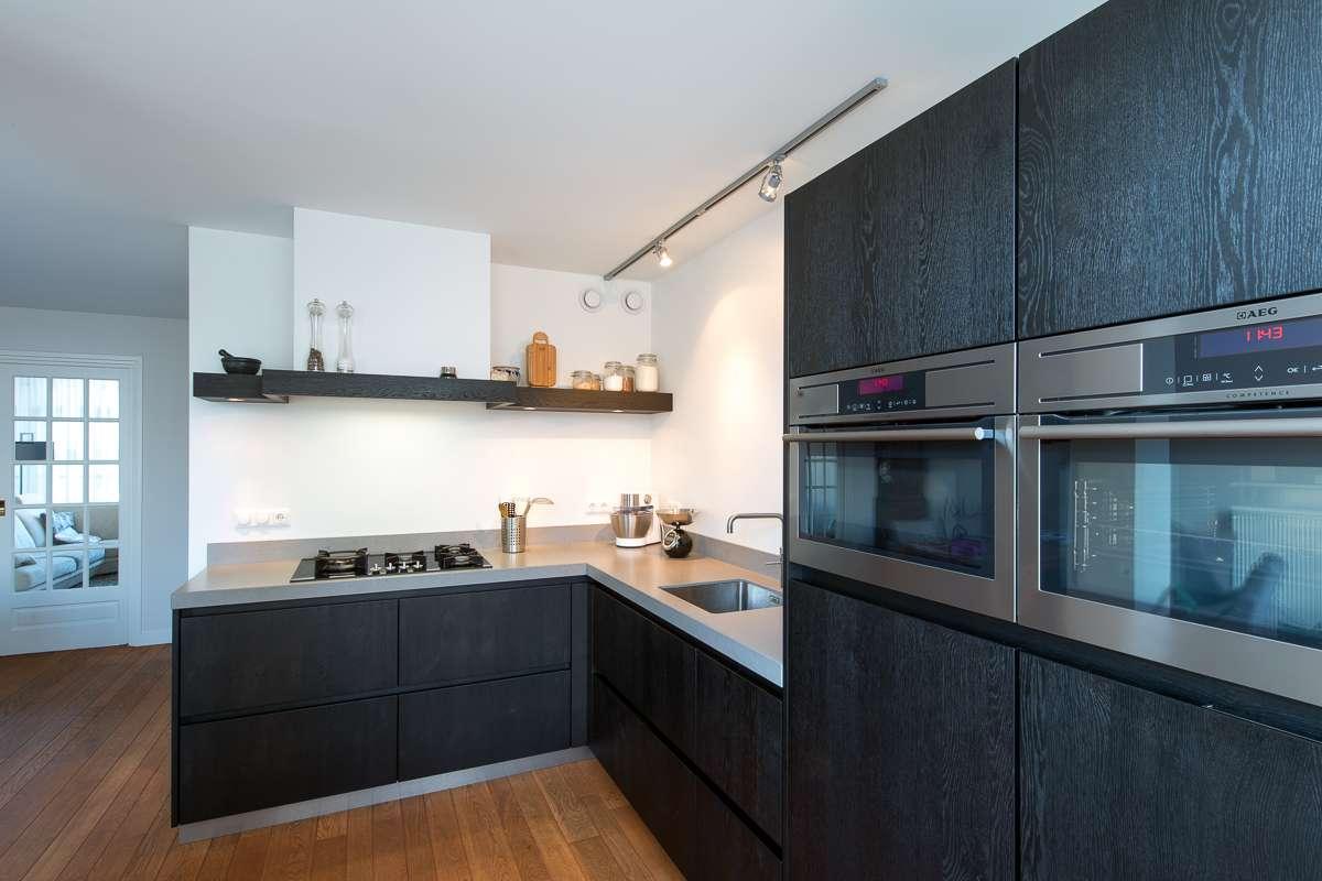 Strak Keuken Tegels : Houten maatwerk keuken strak stoer en tijdloos desing