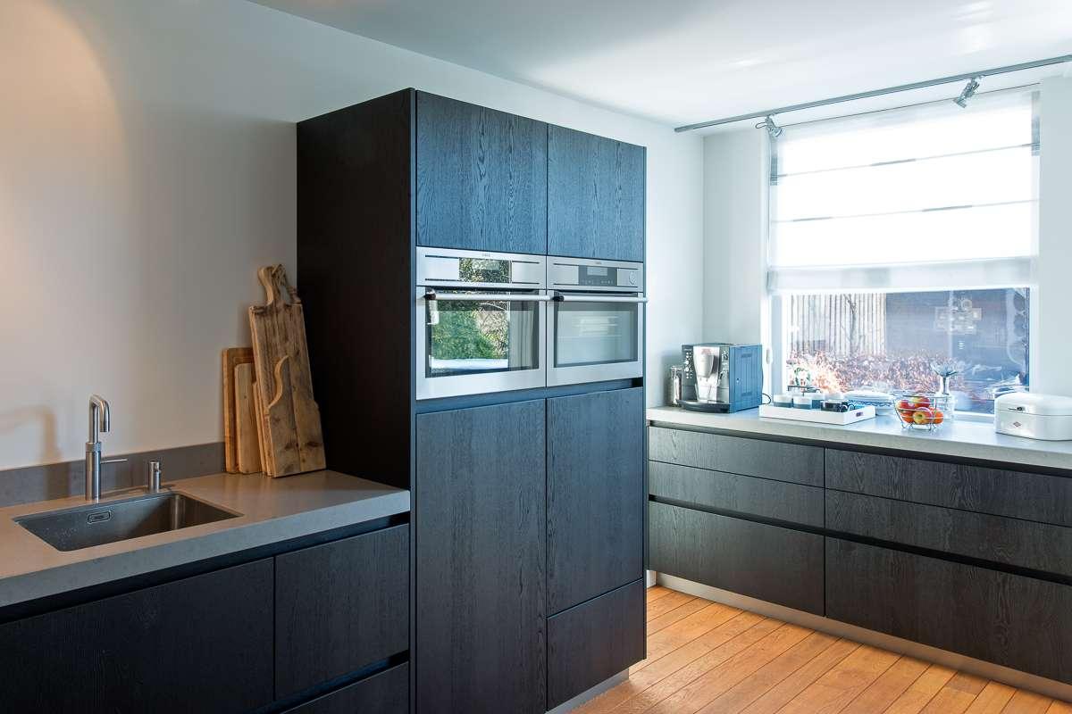 Grijze Houten Keuken : Houten maatwerk keuken strak stoer en tijdloos desing